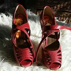 Jessica Simpson's 9 1/2 high heel shoes